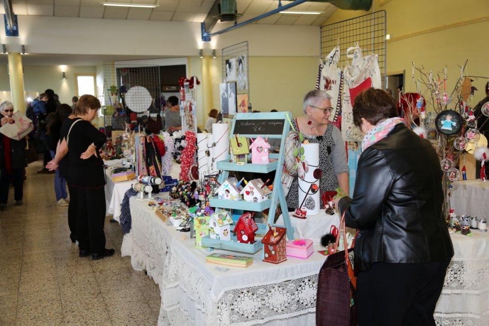 Ecole-Valentin France  city pictures gallery : Marché de Noël 2015 de l'ACEV au CAL BEA d'Ecole Valentin