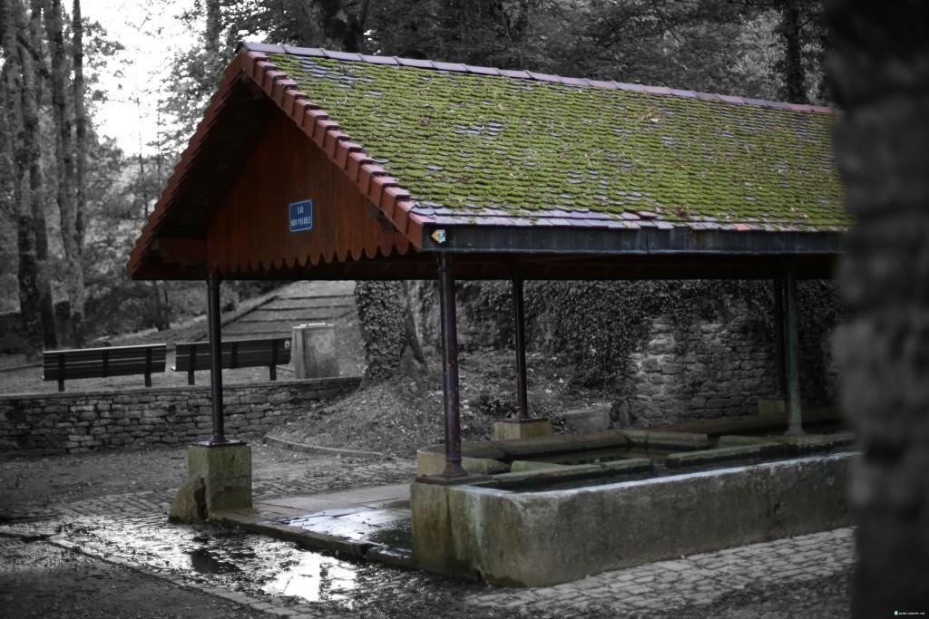 Photo de la Fontaine Saint Georges à Ecole Valentin